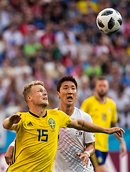 June 18, 2018 - Nizhny Novgorod, Russia - 180618 Oscar Hiljemark of Sweden and Wooyoung Jung of South Korea during the FIFA World Cup group stage match between Sweden and South Korea on June 18, 2018 in Nizhny Novgorod..Photo: Petter Arvidson / BILDBYRN / kod PA / 92070 (Credit Image: © Petter Arvidson/Bildbyran via ZUMA Press)