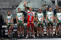 LIEGE LUIK 2/07/2004 - TOUR DE FRANCE 2004 / RONDE VAN FRANKRIJK 2004 / SPORT CYCLING CYCLISME WIELRENNEN / PRSENTATION OFFICIEL - VOORTSTELLING<br />THOR HUSHOVD <br />/ PHOTO : VINCENT KALUT & NICO VEREECKEN <br />©opyright PHOTO NEWS