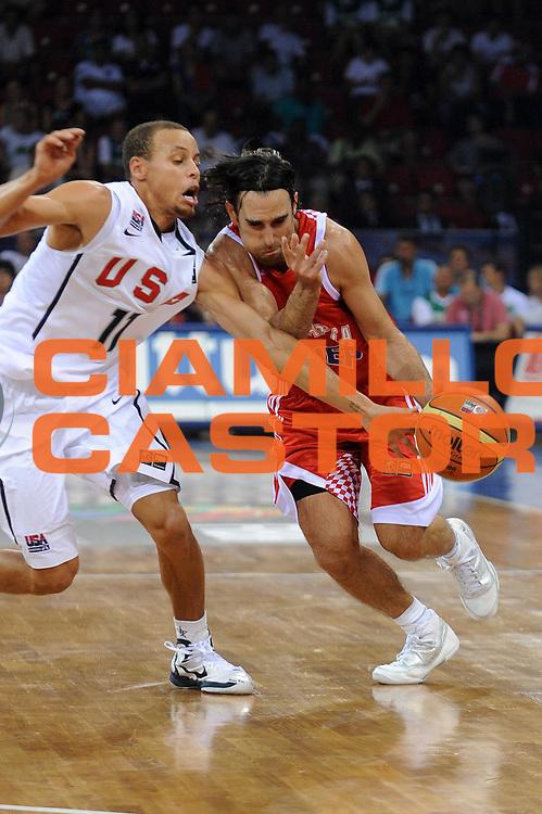 DESCRIZIONE : Istanbul Turchia Turkey Men World Championship 2010 Campionati Mondiali USA Croatia<br /> GIOCATORE : Marko Popovic<br /> SQUADRA : Croatia Croazia<br /> EVENTO : Istanbul Turchia Turkey Men World Championship 2010 Campionato Mondiale 2010<br /> GARA : USA Croatia USA Croazia<br /> DATA : 28/08/2010<br /> CATEGORIA : palleggio<br /> SPORT : Pallacanestro <br /> AUTORE : Agenzia Ciamillo-Castoria/ElioCastoria<br /> Galleria : Turkey World Championship 2010<br /> Fotonotizia : Istanbul Turchia Turkey Men World Championship 2010 Campionati Mondiali USA Croatia<br /> Predefinita :