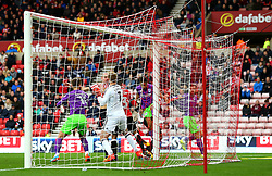 Bobby Reid of Bristol City scores a goal to make it 1-0 - Mandatory by-line: Robbie Stephenson/JMP - 28/10/2017 - FOOTBALL - Stadium of Light - Sunderland, England - Sunderland v Bristol City - Sky Bet Championship