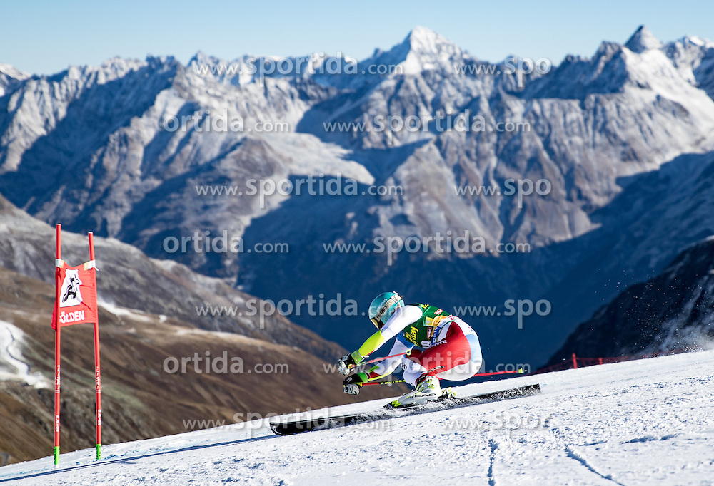 22.10.2016, Rettenbachferner, Soelden, AUT, FIS Weltcup Ski Alpin, Soelden, Riesenslalom, Damen, 1. Durchgang, im Bild Wendy Holdener (SUI) // Wendy Holdener of Switzerland in action during 1st run of ladies Giant Slalom of the FIS Ski Alpine Worldcup opening at the Rettenbachferner in Soelden, Austria on 2016/10/22. EXPA Pictures © 2016, PhotoCredit: EXPA/ Johann Groder