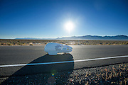 De Beluga van de universiteit van Plymouth. In Battle Mountain (Nevada) wordt ieder jaar de World Human Powered Speed Challenge gehouden. Tijdens deze wedstrijd wordt geprobeerd zo hard mogelijk te fietsen op pure menskracht. Ze halen snelheden tot 133 km/h. De deelnemers bestaan zowel uit teams van universiteiten als uit hobbyisten. Met de gestroomlijnde fietsen willen ze laten zien wat mogelijk is met menskracht. De speciale ligfietsen kunnen gezien worden als de Formule 1 van het fietsen. De kennis die wordt opgedaan wordt ook gebruikt om duurzaam vervoer verder te ontwikkelen.<br /> <br /> The Beluga of the university of Plymouth. In Battle Mountain (Nevada) each year the World Human Powered Speed ​​Challenge is held. During this race they try to ride on pure manpower as hard as possible. Speeds up to 133 km/h are reached. The participants consist of both teams from universities and from hobbyists. With the sleek bikes they want to show what is possible with human power. The special recumbent bicycles can be seen as the Formula 1 of the bicycle. The knowledge gained is also used to develop sustainable transport.
