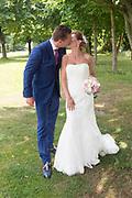 Bruiloft Rob Geus en Suzanne Ozek op Kasteel de Hoogenweerth in Maastricht<br /> <br /> Op de foto:  Rob Geus met zijn partner Suzanne Ozek
