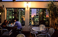 New York. the cafe bar on the terrace rooftop of The Peninsula hotel on fifth avenue.  New York  Usa /  le cafe bar  sur  la terasse de l'hotel peninsula sur la 5 em avenue  New York  USa