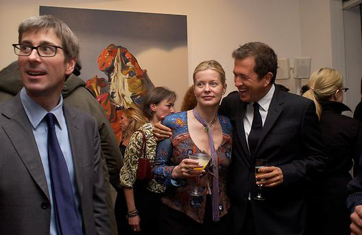Timothy Taylor, Lady Helen Taylor and Maruio Testino, Timothy Taylor new gallery opening, Dering  St. 20 May 2003. © Copyright Photograph by Dafydd Jones 66 Stockwell Park Rd. London SW9 0DA Tel 020 7733 0108 www.dafjones.com