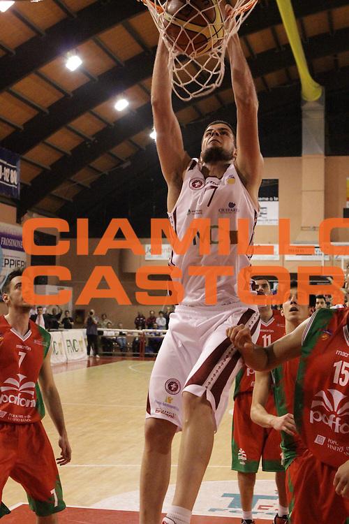 DESCRIZIONE : Ferentino LNP Lega Nazionale Pallacanestro DNA playoff 2011-12 FMC Ferentino Paffoni Omegna<br /> GIOCATORE : Iannuzzi Antonio<br /> CATEGORIA : schiacciata<br /> SQUADRA : FMC Ferentino <br /> EVENTO : LNP Lega Nazionale Pallacanestro DNA playoff 2011-12 <br /> GARA : FMC Ferentino Paffoni Omegna<br /> DATA : 10/05/2012<br /> SPORT : Pallacanestro<br /> AUTORE : Agenzia Ciamillo-Castoria/M.Simoni<br /> Galleria : LNP  2011-2012<br /> Fotonotizia :Ferentino LNP Lega Nazionale Pallacanestro DNA playoff 2011-12 FMC Ferentino Paffoni Omegna<br /> Predefinita :