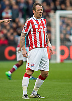 Football - 2016 / 2017 Premier League - West Ham United vs. Stoke City<br /> <br /> <br /> Glenn Whelan of Stoke City at The London Stadium.<br /> <br /> COLORSPORT/DANIEL BEARHAM