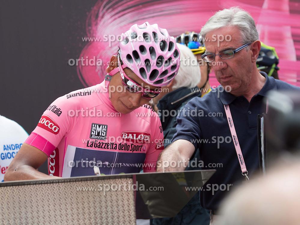 29.05.2014, Rif. Panarotta, ITA, Giro d Italia 2014, 18. Etappe, Belluno nach Rif. Panarotta, im Bild der Gesamtführende Nairo Quintana, COL (#121, Movistar Team) // race leader Nairo Quintana, COL (#121, Movistar Team) during Giro d' Italia 2014 at Stage 18 from Belluno nach Rif. Panarotta, Italy on 2014/05/29. EXPA Pictures © 2014, PhotoCredit: EXPA/ R. Eisenbauer