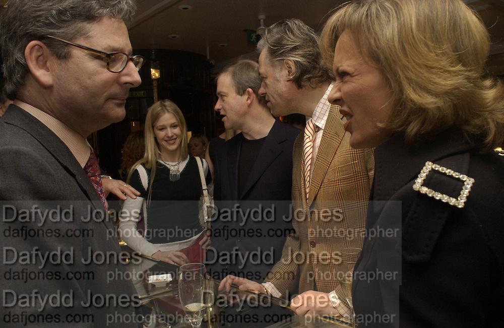 Dominic Lawson, Mr. and Mrs. Harry Enfield, Bob Geldof and Maya de Schonburg. Charity sale of the last ever sale at Asprey and Garrard. New Bond St. London. 15/1/02© Copyright Photograph by Dafydd Jones 66 Stockwell Park Rd. London SW9 0DA Tel 020 7733 0108 www.dafjones.com