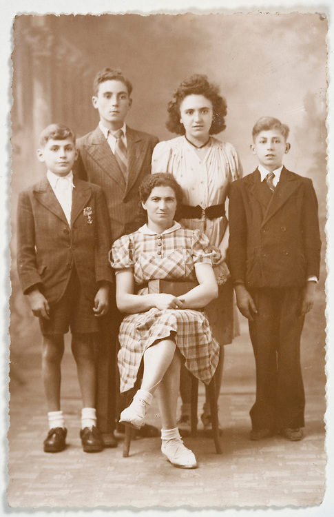 vintage siblings group photo