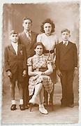 vintage siblings group photo