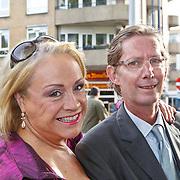 NLD/Amsterdam/20100913 - Verjaardagsfeestje Modemeisjes met een missie, Viola Holt en partner Peter
