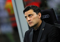22.10.2016, Stadio Giuseppe Meazza, Mailand, ITA, Serie A, AC Milan vs Juventus Turin, 9. Runde, im Bild Mister Montella // Head coach Montella during the Italian Serie A 9th round match between AC Milan and Juventus Turin at the Stadio Giuseppe Meazza in Mailand, Italy on 2016/10/22. EXPA Pictures © 2016, PhotoCredit: EXPA/ laPresse/ Spada<br /> <br /> *****ATTENTION - for AUT, SUI, CRO, SLO only*****