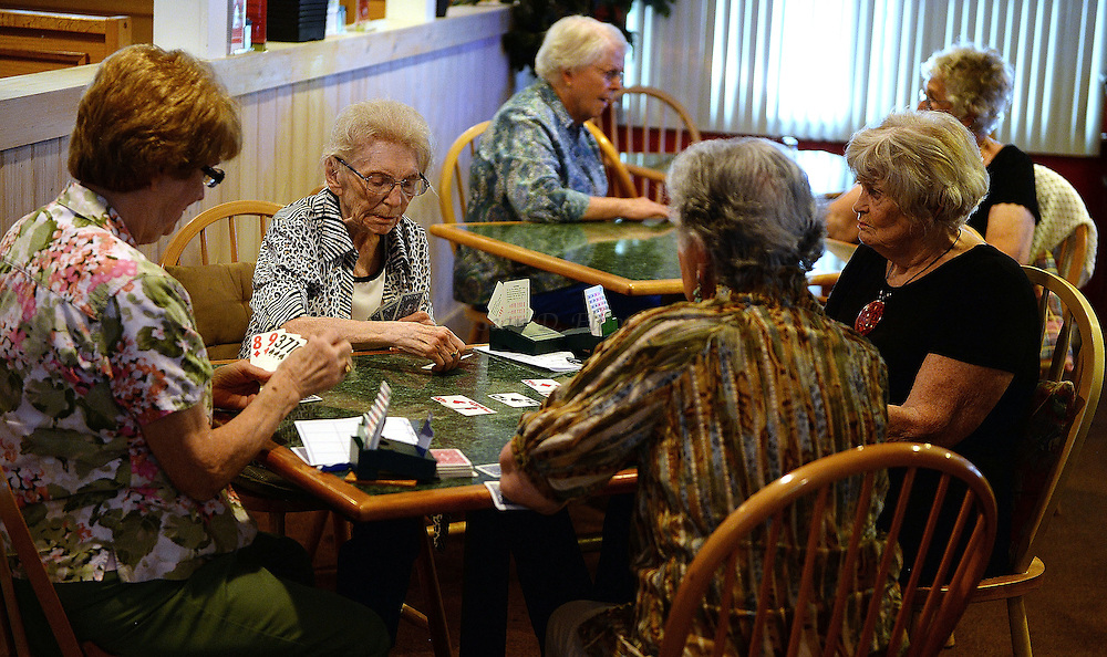 7/5/16 :: REGION :: BALDELLI :: Members of the Faire Harbor Bridge Club plays their weekly game Tuesday, July 5, 2016 at The Lyme Tavern in Niantic. The club has been playing for over 100-years. (Sean D. Elliot/The Day)