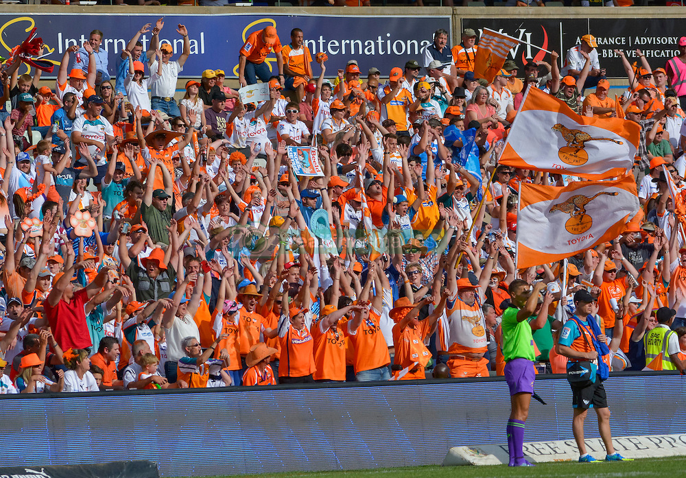 Mexican wave during the Currie Cup Final between the The Free State Cheetahs and Blue Bulls held at Toyota Stadium (Free State Stadium), Bloemfontein, South Africa on the 22nd October 2016<br /> <br /> Photo by:   Frikkie Kapp / Real Time Images
