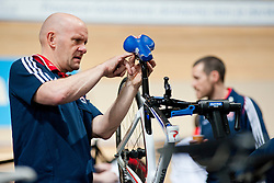Behind the scenes, GBR, Tandem 4km Pursuit Qualifiers , 2015 UCI Para-Cycling Track World Championships, Apeldoorn, Netherlands
