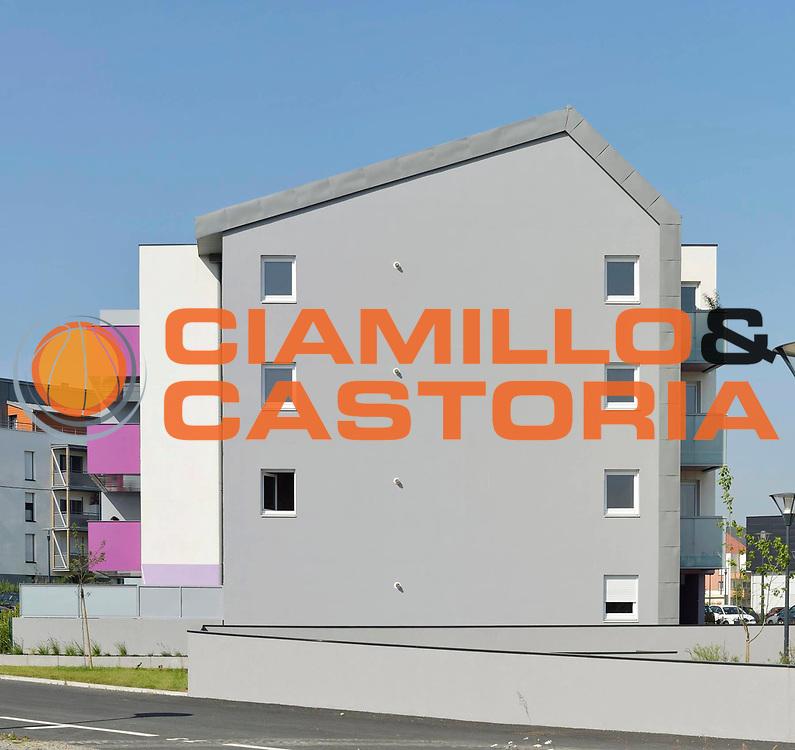 DESCRIZIONE : Immeuble Habitat 35 <br /> GIOCATORE : ARCHIPOLE<br /> SQUADRA : Architecte Bertrand Aubry<br /> EVENTO : Architecture<br /> GARA : <br /> DATA : 05/06/2013<br /> CATEGORIA : Exterieur Plan Moyen<br /> SPORT : <br /> AUTORE : JF Molliere<br /> Galleria : France Architecture 2013 <br /> Fotonotizia : Immeuble Habitat 35 Archipole <br /> Predefinita :