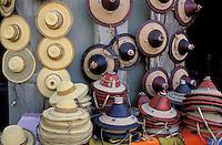 Mali - Djenné - Boutique avec des chapeaux peuls