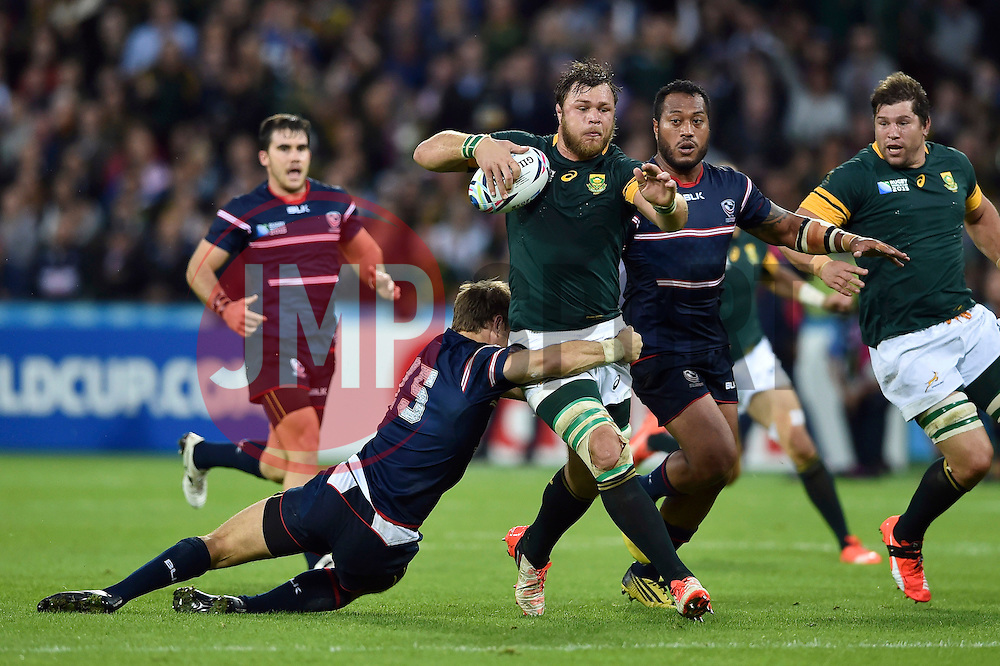 Duane Vermeulen of South Africa takes on the USA defence - Mandatory byline: Patrick Khachfe/JMP - 07966 386802 - 07/10/2015 - RUGBY UNION - The Stadium, Queen Elizabeth Olympic Park - London, England - South Africa v USA - Rugby World Cup 2015 Pool B.
