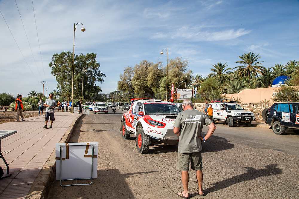 Acciona 100x100 ecopowered,electric car, Marocco rally 2015, day 1