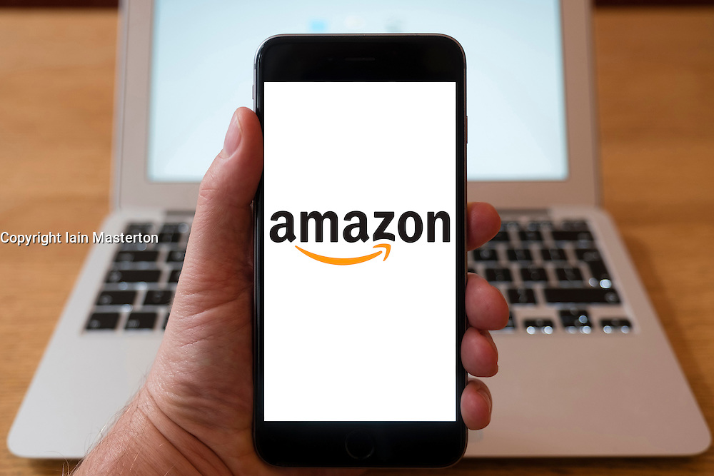 Using iPhone smartphone to display logo of Amazon.com website