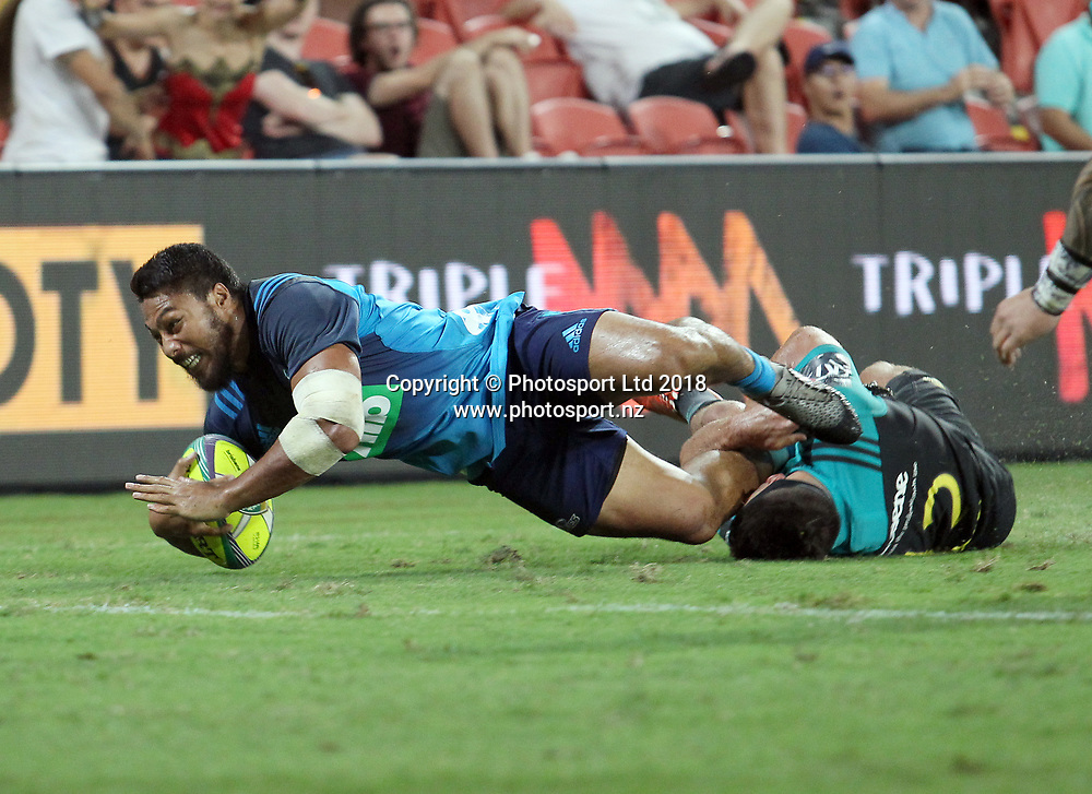 George Moala of the Blues scores the winning try in the final match between the Hurricanes and the Blues during the Global Tens Tournament at Suncorp Stadium, Brisbane, Australia on February 10, 2018. Photo : Tertius Pickard / www.photosport.nz