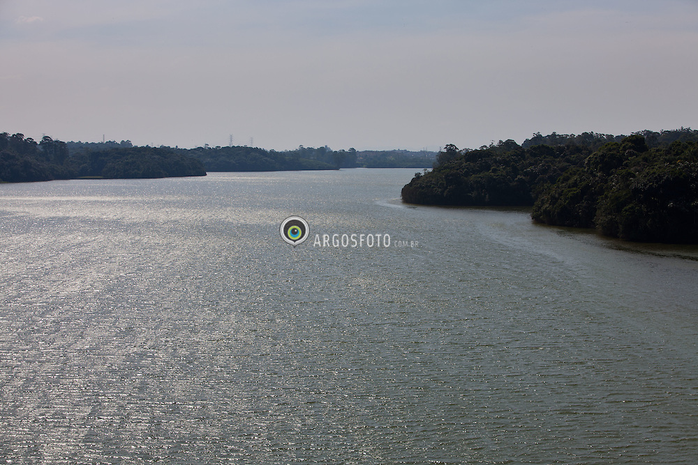Area de mananciais na represa Billings, em Santo Andre / The Billings Reservoir,  the largest reservoir in Sao Paulo, Brazil.