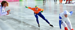 08-01-2012 SCHAATSEN: EC ALLROUND: BUDAPEST<br /> 1500 meter men / (L-R) Coach Peter Muller, Ted Jan Bloemen, Alexis Contin FRA<br /> ©2012-FotoHoogendoorn.nl