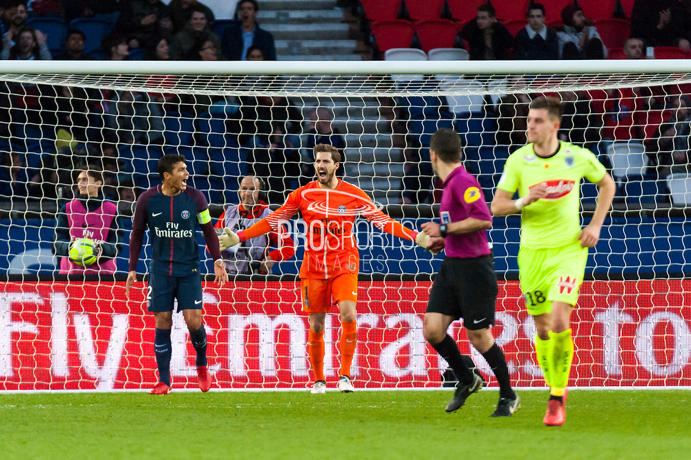 Thomas Toure (ang) and Daniel Alves Da Silva (psg) during the French Championship Ligue 1 football match between Paris Saint-Germain and SCO Angers on march 14, 2018 at Parc des Princes stadium in Paris, France - Photo Pierre Charlier / ProSportsImages / DPPI