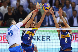 SIMONE GIANNELLI AND DANIELE MAZZONE BLOCK<br /> ITALY VS SLOVENIA<br /> MEN'S VOLLEYBALL WORLD CHAMPIONSHIPS <br /> Florence September 18, 2018