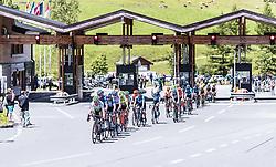 10.07.2019, Fuscher Törl, AUT, Ö-Tour, Österreich Radrundfahrt, 4. Etappe, von Radstadt nach Fuscher Törl (103,5 km), im Bild Feld an der Mautstation // during 4th stage from Radstadt to Fuscher Törl (103,5 km) of the 2019 Tour of Austria. Fuscher Törl, Austria on 2019/07/10. EXPA Pictures © 2019, PhotoCredit: EXPA/ JFK