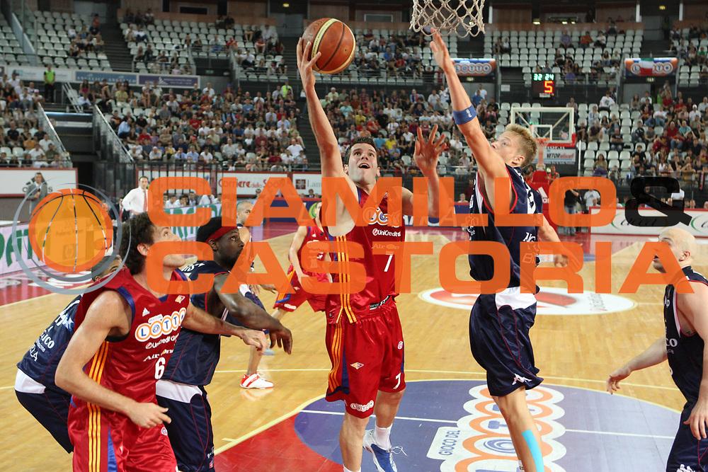 DESCRIZIONE : Roma Lega A 2008-09 Playoff Quarti di finale Gara 5 Lottomatica Virtus Roma Angelico Biella<br /> GIOCATORE : Sani Becirovic<br /> SQUADRA : Lottomatica Virtus Roma<br /> EVENTO : Campionato Lega A 2008-2009 <br /> GARA : Lottomatica Virtus Roma Angelico Biella<br /> DATA : 26/05/2009<br /> CATEGORIA : Tiro<br /> SPORT : Pallacanestro <br /> AUTORE : Agenzia Ciamillo-Castoria/G.Ciamillo