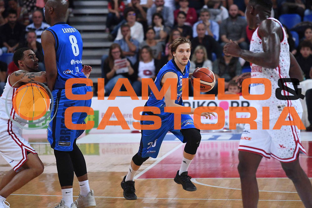 Andrea Traini<br /> VL Pesaro - Germani Leonessa Basket Brescia<br /> Lega Basket Serie A 2017/2018<br /> Pesaro, 01/10/2017<br /> Foto M.Ceretti / Ciamillo - Castoria