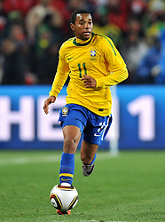 28.06.2010, Ellis Park Stadium, Johannesburg, RSA, FIFA WM 2010, Brazil (BRA) vs Chile. (CHI), im Bild Robinho (Brasile). EXPA Pictures © 2010, PhotoCredit: EXPA/ InsideFoto/ Giorgio Perottino +++ for Austria and Slovenia only +++ / SPORTIDA PHOTO AGENCY