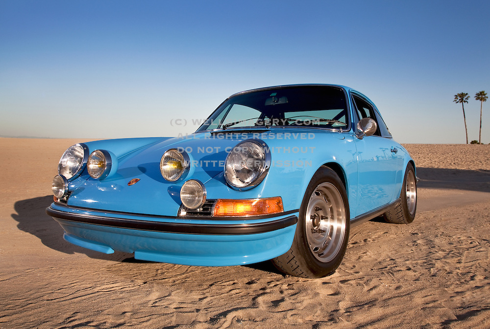 Pictures of Porsches, photos of blue sports cars, images of cool ...
