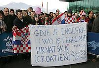 Luzern, 2.12.2007. Sport. Fussball, Nationalmannschaften Endrunden Auslosung EURO 2008 in Luzern UEFA Euro 2008, Final draw in Luzern Kroatien Fans vermissen das englische Team