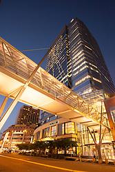 United States, Washington, Bellevue, pedestrian skybridge to LIncoln Square shopping area and skyscraper