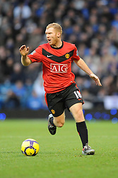 Paul Scholes  in action for Manchester United. Portsmouth v Manchester United (1-4), Barclays Premier League Fratton Park, Portsmouth, 28th November 2009.