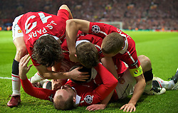 12.04.2011, Old Trafford, Manchaster, ENG, UEFA Champions league, viertel Finale, Manchester United FC v Chelsea FC, im Bild Manchester United's Javier Hernandez celebrates scoring his side's first goal against Chelsea with team-mates Wayne Rooney, Ji-Sung Park, Michael Carrick and Nemanja Vidic during the UEFA Champions League Quarter-Final 2nd Leg match at Old Trafford. EXPA Pictures © 2011, PhotoCredit: EXPA/ Propaganda/ David Rawcliffe +++++ ATTENTION - OUT OF ENGLAND/UK +++++