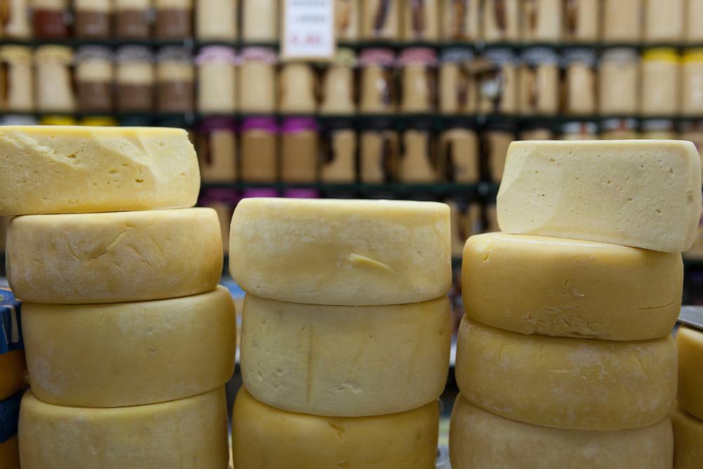 Belo Horizonte_MG. Brasil.<br /> <br /> Mercado Central, importante ponto turistico em Belo Horizonte, Minas Gerais. Na foto queijo Canastra.<br /> <br /> The Mercado Central, its a important tourist place in Belo Horizonte, Minas Gerais. In this photo Canastra cheese.<br /> <br /> Foto: RODRIGO LIMA / NITRO