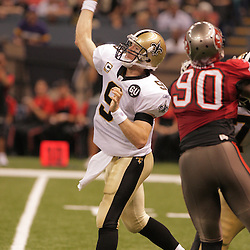 2008 September 7: New Orleans Saints quarterback Drew Brees (9) throws a touchdown pass to receiver Devery Henderson during the second half against the Tampa Bay Buccaneers at the Louisiana Superdome in New Orleans, LA.  The New Orleans Saints defeated the Tampa Bay Buccaneers 24-20.