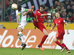 05.12.2015, Stadion im Borussia Park, Moenchengladbach, GER, 1. FBL, Borussia Moenchengladbach vs FC Bayern Muenchen, 15. Runde, im Bild v.l. Granit Xhaka (#34, Borussia Moenchengladbach) mit Javier Martinez (#8, FC Bayern Muenchen), dahinter Robert Lewandowski (#9, FC Bayern Muenchen), Borussia Moenchengladbach - FC Bayern Muenchen, Fussball, 1. Bundesliga, 05.12.2015, Foto: Deutzmann/Eibner // during the German Bundesliga 15th round match between Borussia Moenchengladbach and FC Bayern Muenchen at the Stadion im Borussia Park in Moenchengladbach, Germany on 2015/12/05. EXPA Pictures © 2015, PhotoCredit: EXPA/ Eibner-Pressefoto/ Deutzmann<br /> <br /> *****ATTENTION - OUT of GER*****