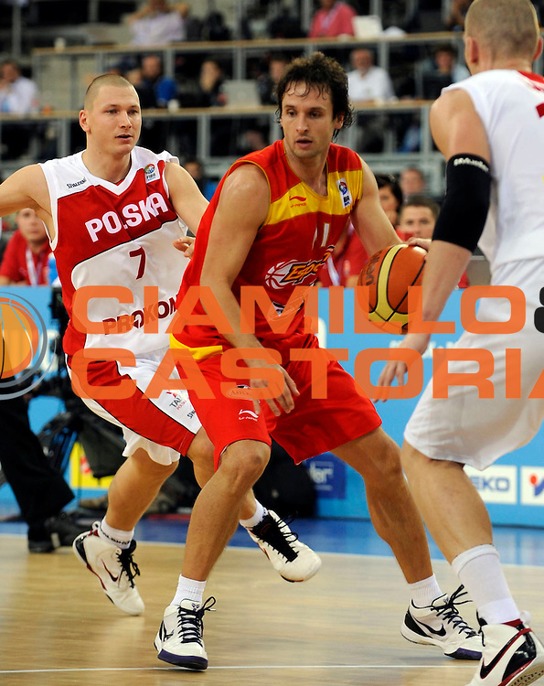 DESCRIZIONE : Lodz Poland Polonia Eurobasket Men 2009 Qualifying Round Polonia Poland Spagna Spain<br /> GIOCATORE : Raul Lopez<br /> SQUADRA : Spagna Spain<br /> EVENTO : Eurobasket Men 2009<br /> GARA : Polonia Poland Spagna Spain<br /> DATA : 16/09/2009 <br /> CATEGORIA :<br /> SPORT : Pallacanestro <br /> AUTORE : Agenzia Ciamillo-Castoria/N.Parausic<br /> Galleria : Eurobasket Men 2009 <br /> Fotonotizia : Lodz Poland Polonia Eurobasket Men 2009 Qualifying Round Polonia Poland Spagna Spain<br /> Predefinita :