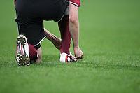Fussball 1. Bundesliga Saison 2005/2006 Allgemein, Spieler bindet sich die Schuhe