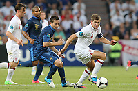FOOTBALL - UEFA EURO 2012 - DONETSK - UKRAINE - GROUP STAGE - GROUP D - FRANCE v ENGLAND - 11/06/2012 - PHOTO PHILIPPE LAURENSON / DPPI - YOHAN CABAYE (FRA) / STEVEN GERRARD (ANG)