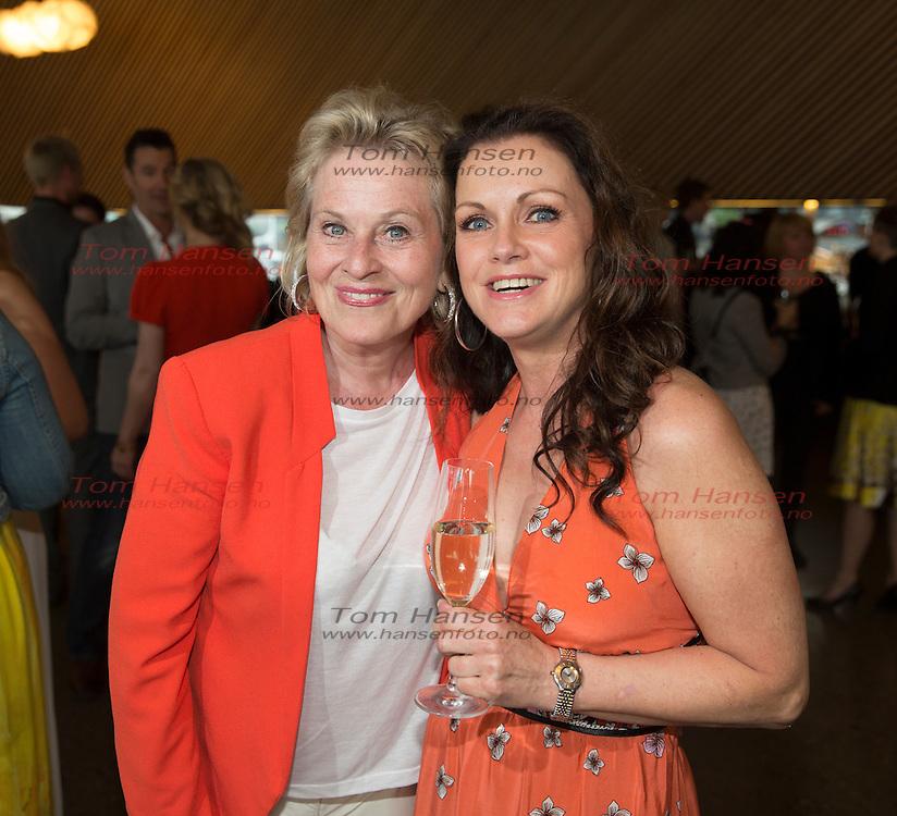 OSLO, 2014-5-19;  Sommerfest i Hotel Cæsar ether at vårens opptak er ferdig. Nå er det sommerferie.....for Anne Marie Ottersen  og Hilde Lyrån.  FOTO:  TOM HANSEN