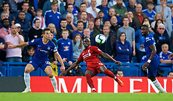LONDON, ENGLAND - Saturday, September 29, 2018: Chelsea's Cesar Azpilicueta (left) and Liverpool's Sadio Mane during the FA Premier League match between Chelsea FC and Liverpool FC at Stamford Bridge. (Pic by David Rawcliffe/Propaganda)