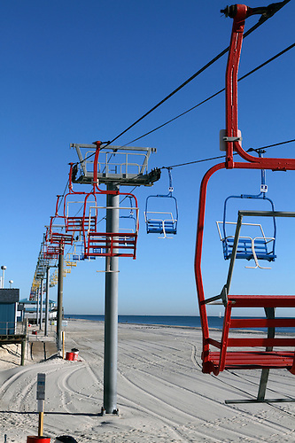 Seaside Heights New Jersey USA chair lift ride on the beach running along the boardwalk. & Seaside Heights New Jersey USA chair lift ride on the beach running ...