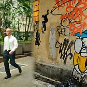 Wall painting in the financial district, Hong Kong Island, Hong Kong, China, East Asia