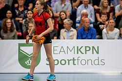 12-05-2017 NED: Nederland - Tsjechië, Amstelveen<br /> De Nederlandse volleybal mannen spelen hun eerste oefeninterland in de Emergohal in Amstelveen tegen Tsjechië. Deze wedstrijd staat in het teken van de verplaatsing van het Bankrasmomument. Nederland speelde daarom in speciale oude Nederlandse shirts uit 1992 / Team NL boarding sponsor, ballenmeisjes